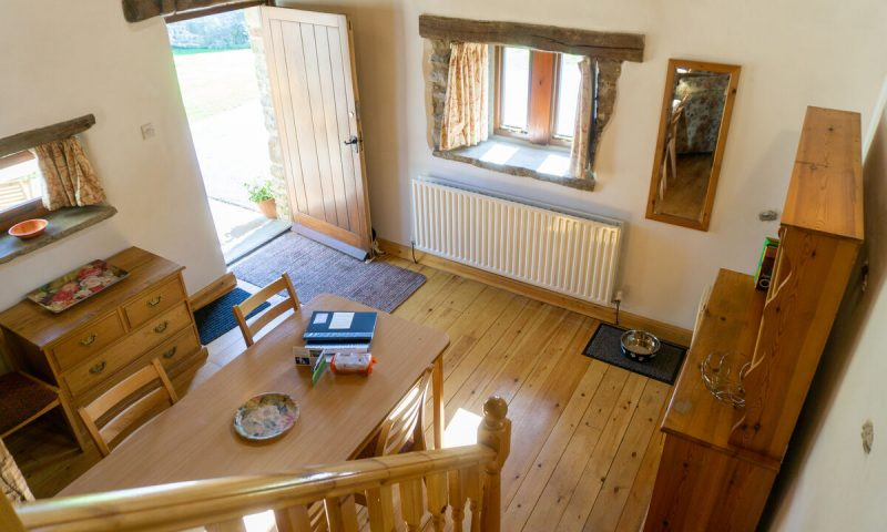Dog-friendly cottage for two